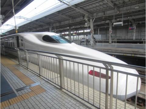 6842892-Riding_the_Bullet_Shinkansen_to_Kyoto-Kyoto
