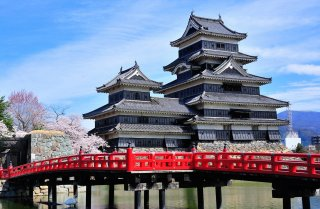 Signature: Classic Japan - Takayama Spring Festival & 